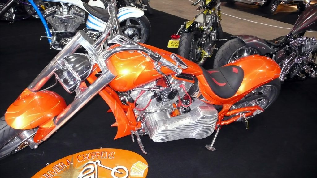 superbe moteur chopper harley davidson orange2 raymond planchat peintre a rographe cours de. Black Bedroom Furniture Sets. Home Design Ideas