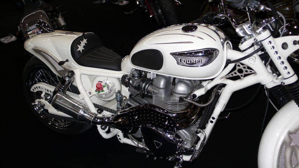 triumph-bike-scrambler-ou-cafe-racer-custom