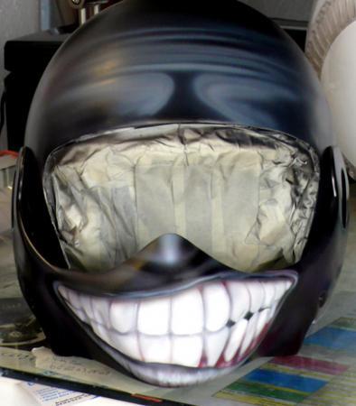 peinture sur casque moto le sourire raymond planchat peintre a rographe cours de peinture vente. Black Bedroom Furniture Sets. Home Design Ideas