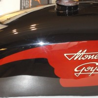 Rservoir moto collection Monet Goyon peinture d&rsquo;origine Atelier raymond planchat Lyon 69008