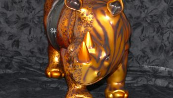 rhinoceros-en-resine-infinytoon-raymond-planchat