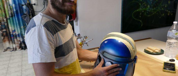 -peinture-aerographe-sur-casque-impression-3d