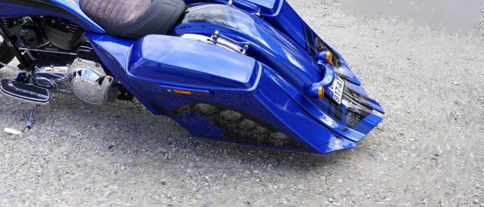 Harley Davidson Road Glide sacoche avec têtes de mort skulls
