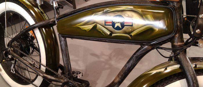 Vélo éléctrique peinture aérographe style US Army drapeau Américain série limité pour The Cykle ...