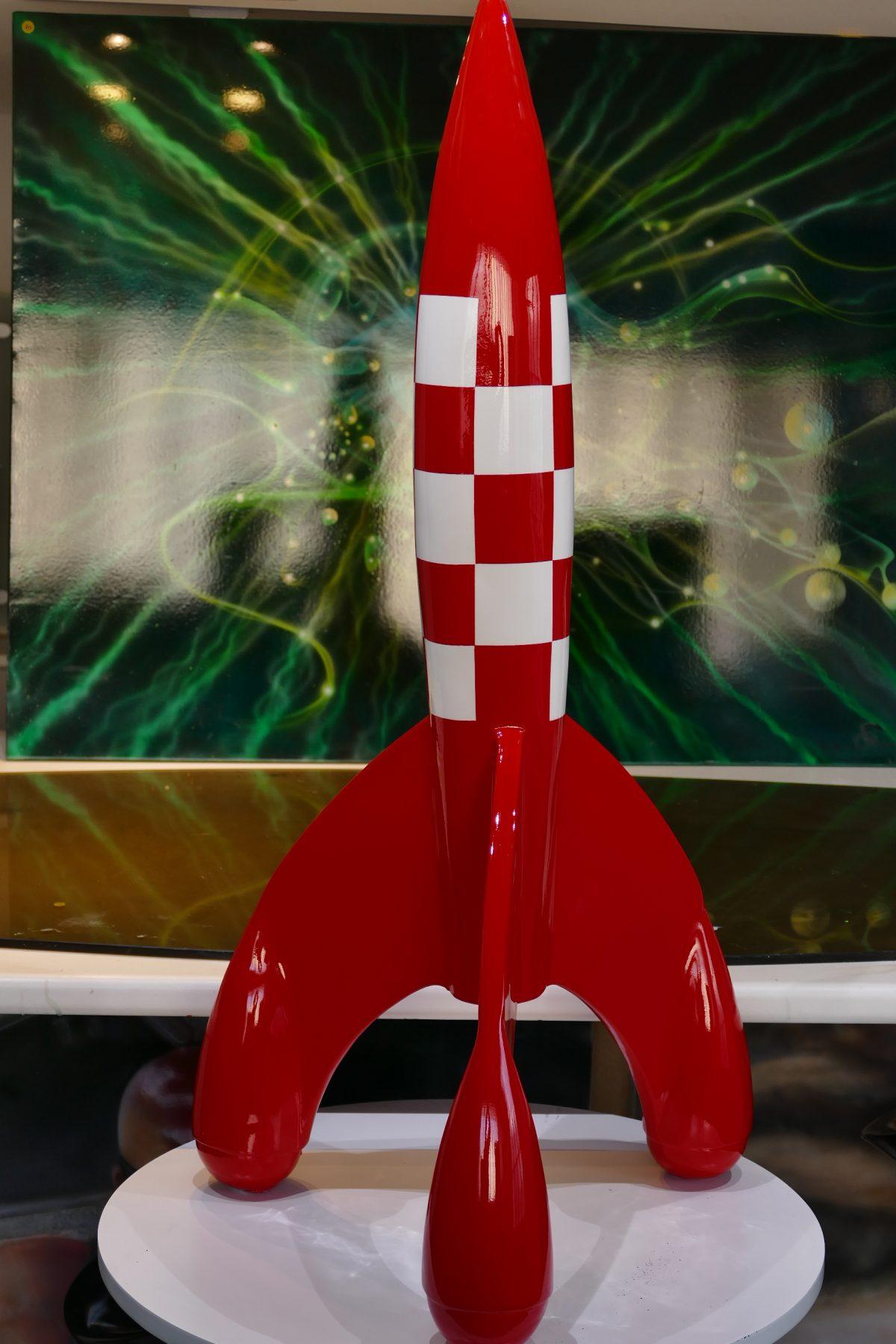 Fusée De Tintin Dans Objectif Lune Raymond Planchat