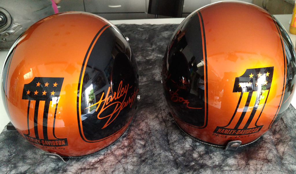 casque moto harley davidson raymond planchat peintre a rographe cours de peinture vente. Black Bedroom Furniture Sets. Home Design Ideas