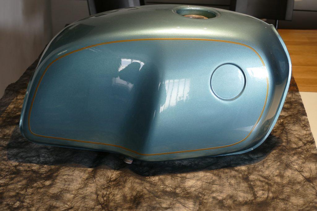 bmw caf racer raymond planchat peintre a rographe cours de peinture vente. Black Bedroom Furniture Sets. Home Design Ideas