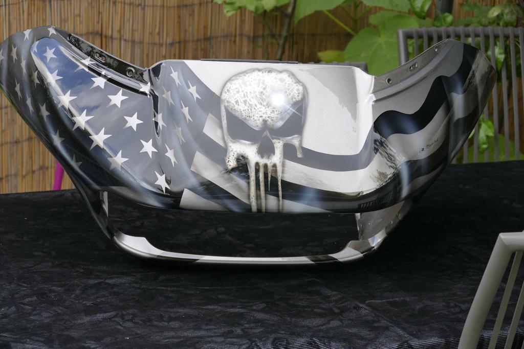 harley davidson skull punisher et drapeau americain raymond planchat peintre a rographe cours. Black Bedroom Furniture Sets. Home Design Ideas